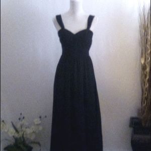 💰 Bundle 2 Items for$18. Black Formal Gown